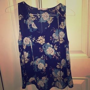 Lush flower blouse size medium, In good condition.